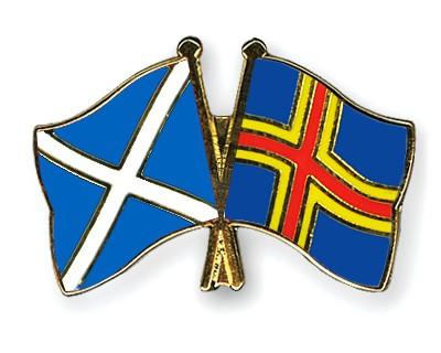Crossed Flag Pins Scotland-Aland