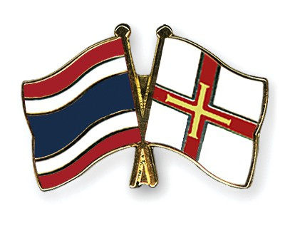 Crossed Flag Pins Thailand-Guernsey
