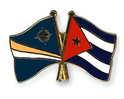 Crossed Flag Pins Marshall-Islands-Cuba