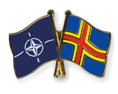 Crossed Flag Pins NATO-Aland