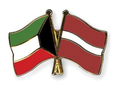 Crossed Flag Pins Kuwait-Latvia