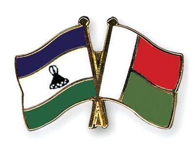 Crossed Flag Pins Lesotho-Madagascar