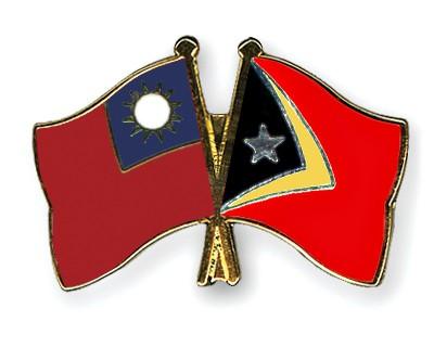 Crossed Flag Pins Taiwan-Timor-Leste