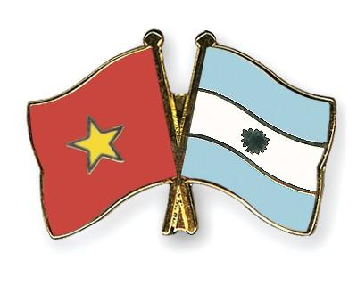 Crossed Flag Pins Vietnam-Argentina