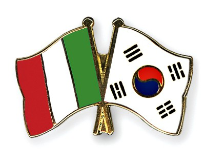 Crossed Flag Pins Italy-South-Korea