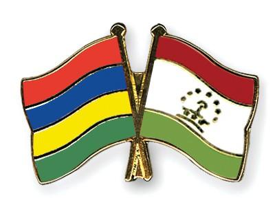 Crossed Flag Pins Mauritius-Tajikistan