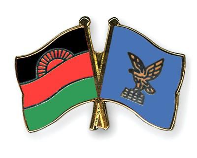 Crossed Flag Pins Malawi-Friuli-Venezia-Giulia