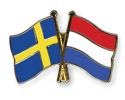 Crossed Flag Pins Sweden-Netherlands