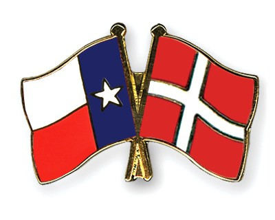 Crossed Flag Pins Texas-Denmark