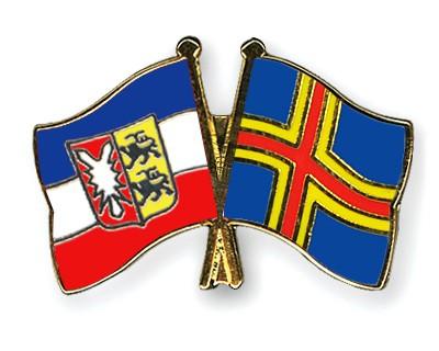 Crossed Flag Pins Schleswig-Holstein-Aland