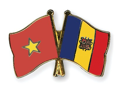Crossed Flag Pins Vietnam-Andorra