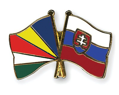 Crossed Flag Pins Seychelles-Slovakia