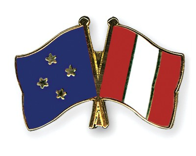 Crossed Flag Pins Micronesia-Peru