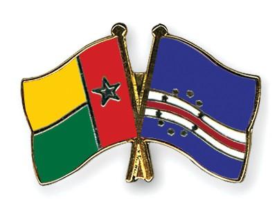 Crossed Flag Pins Guinea-Bissau-Cape-Verde