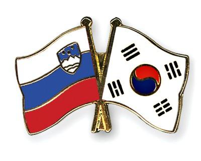 Crossed Flag Pins Slovenia-South-Korea