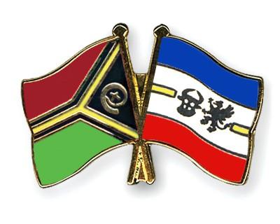 Crossed Flag Pins Vanuatu-Mecklenburg-Western-Pomerania
