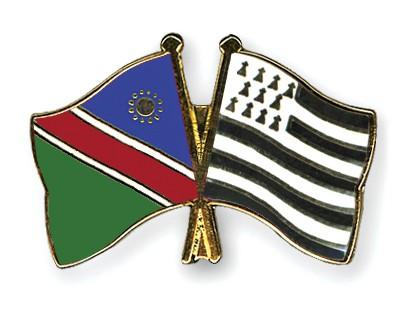 Crossed Flag Pins Namibia-Britanny