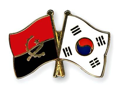 Crossed Flag Pins Angola-South-Korea
