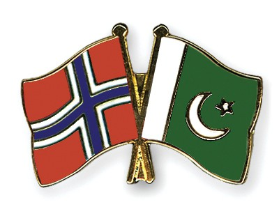 Crossed Flag Pins Norway-Pakistan