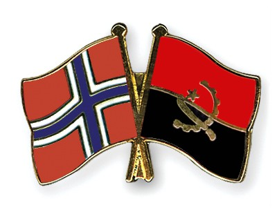 Crossed Flag Pins Norway-Angola