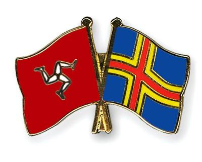 Crossed Flag Pins The-Isle-of-Man-Aland