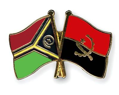 Crossed Flag Pins Vanuatu-Angola