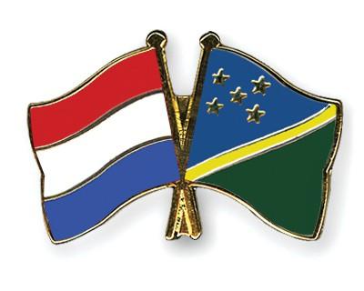 Crossed Flag Pins Netherlands-Solomon-Islands