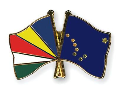 Crossed Flag Pins Seychelles-Alaska