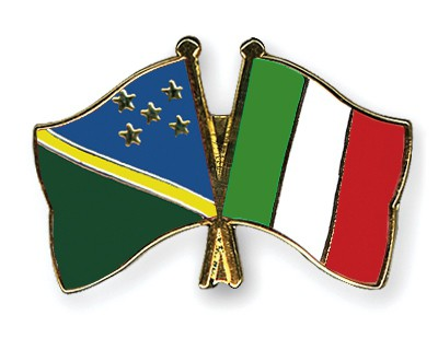 Crossed Flag Pins Solomon-Islands-Italy