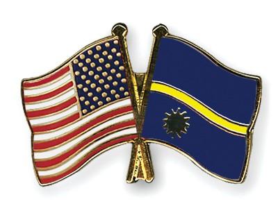Crossed Flag Pins USA-Nauru