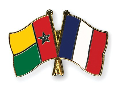 Crossed Flag Pins Guinea-Bissau-France