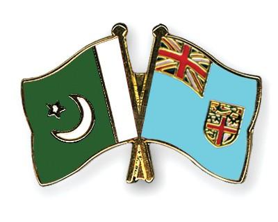 Crossed Flag Pins Pakistan-Fiji
