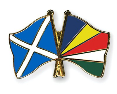 Crossed Flag Pins Scotland-Seychelles
