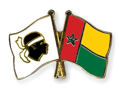 Crossed Flag Pins Corsica-Guinea-Bissau