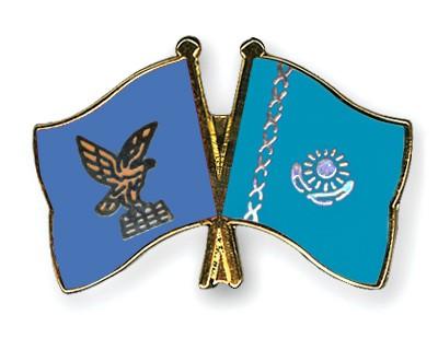 Crossed Flag Pins Friuli-Venezia-Giulia-Kazakhstan