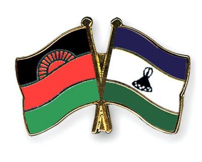 Crossed Flag Pins Malawi-Lesotho