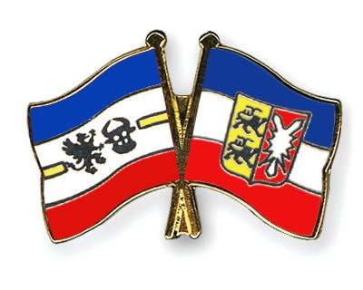 Crossed Flag Pins Mecklenburg-Western-Pomerania-Schleswig-Holstein