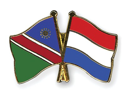 Crossed Flag Pins Namibia-Netherlands