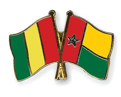 Crossed Flag Pins Guinea-Guinea-Bissau