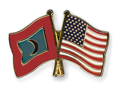 Crossed Flag Pins Maldives-USA