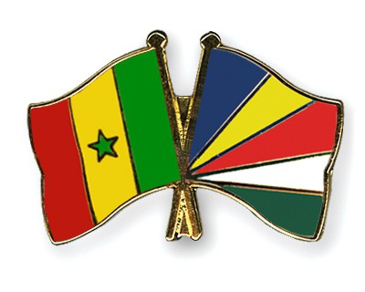 Crossed Flag Pins Senegal-Seychelles
