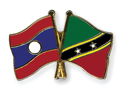 Crossed Flag Pins Laos-Saint-Kitts-and-Nevis