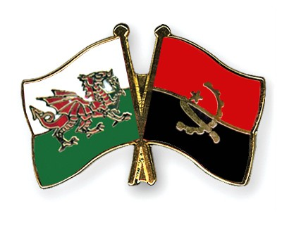 Crossed Flag Pins Wales-Angola