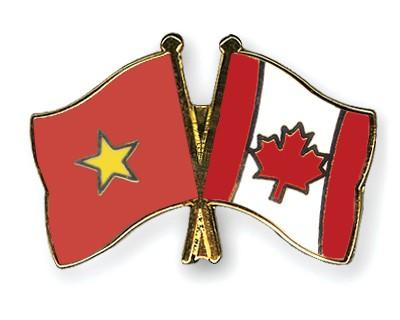 Crossed Flag Pins Vietnam-Canada