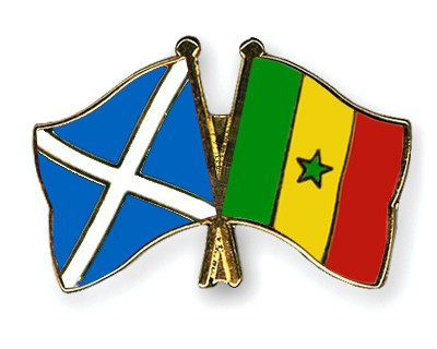 Crossed Flag Pins Scotland-Senegal