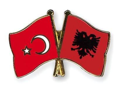 Crossed Flag Pins Turkey-Albania