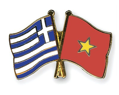Crossed Flag Pins Greece-Vietnam