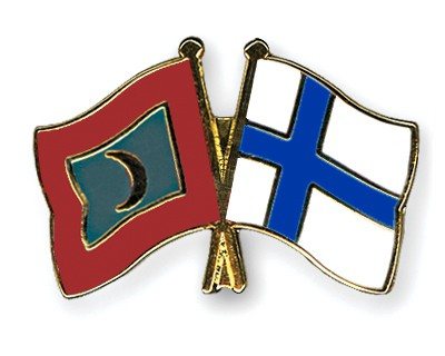 Crossed Flag Pins Maldives-Finland