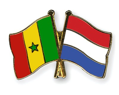 Crossed Flag Pins Senegal-Netherlands