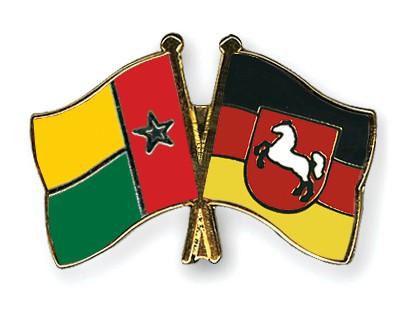 Crossed Flag Pins Guinea-Bissau-Lower-Saxony